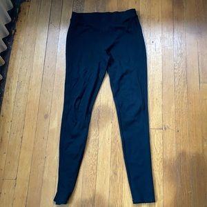 Simple black cotton leggings
